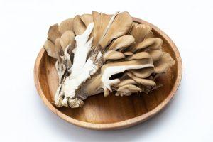 まいたけ ( きのこ類 )は 食物繊維 が豊富で 免疫力 をアップさせる食品